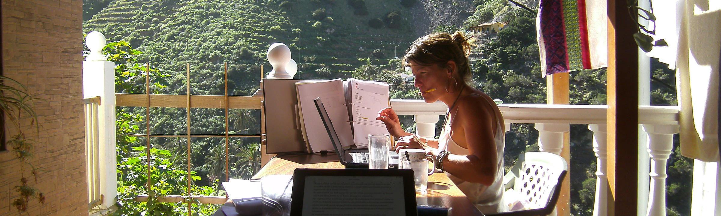 Virtueel assistent Mirjam werkt 's winters vanaf La Gomera