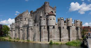 kasteel gravensteen bezienswaardigheid gent belgie