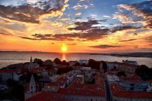 zonsondergang zadar kroatie wonen en werken